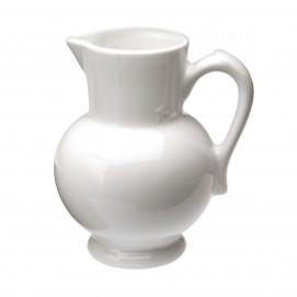 pichet à eau en porcelaine blanche - les essentiels